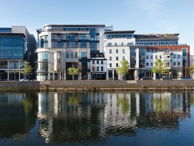 Photo for 2 bed 2 bath fully serviced  apartments overlooking the River Lee