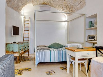 Photo for Charming retreat in the heart of the stunning Città Bianca - walk everywhere!