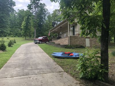 Photo for Royal Cottage on Lake Hamilton with Boat Ramp (Pet Friendly) SAT TV and WIFI