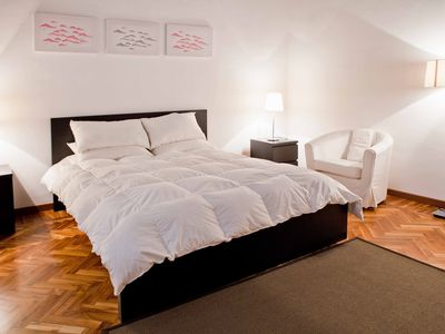 Photo for Spacious Piazza Navona Relais apartment in Centro Storico with WiFi & air conditioning.