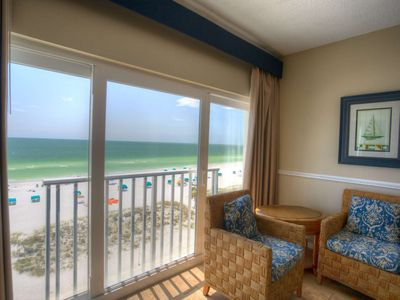 Photo for Spacious Beachfront Penthouse. Great Family Resort & Beach!