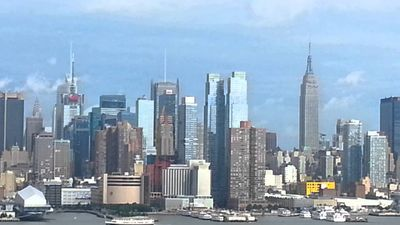 Photo for Luxury large1 bedroom apartment10 min to Manhattan