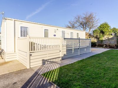 Photo for Stunning 6 berth holiday home with decking and garden in Hunstanton ref 23075S