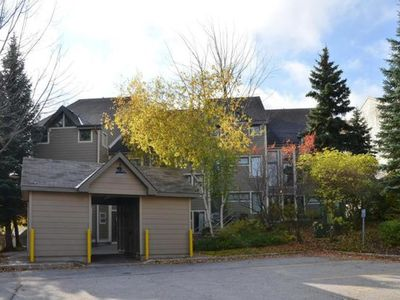 Photo for Two bedroom ski in, ski out at Chateau Ridge/8235