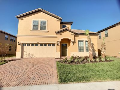 Photo for ISLAND COVE: 8 BR Lake Front home near Disney in Windsor at Westside resort