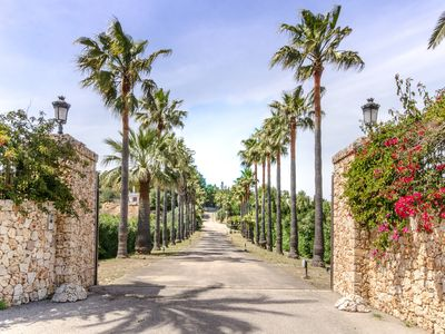 Photo for Magnificent rustic villa with vineyards, olive and fruit trees.