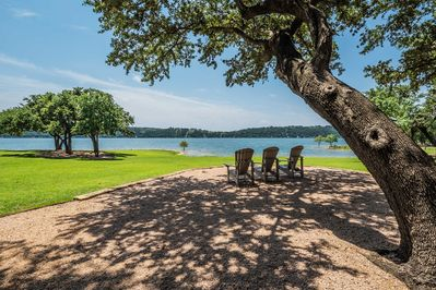 Community amenities include marina, pool, beach, lazy river, tennis court & more