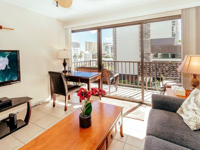 Photo for Newly Refreshed Four Paddle Condo, Close Walk to Beaches!