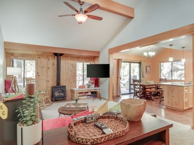 Photo for Charming home w/private hot tub & entertainment -near Ft. Rock Park
