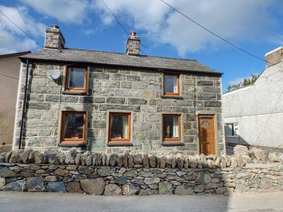 Photo for SNOWDON VIEW, pet friendly, with open fire in Llanrug, Ref 933010