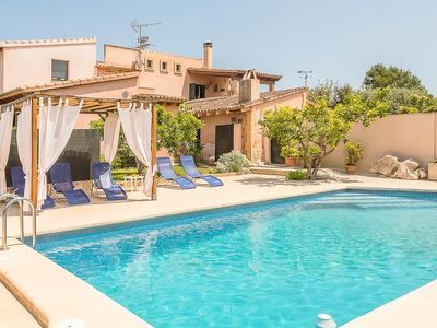Photo for 4 bedroom Villa, sleeps 6 with Pool and FREE WiFi