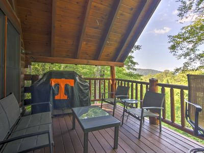 Photo for 'Majestic View Hideout' Sevierville Cabin w/HotTub