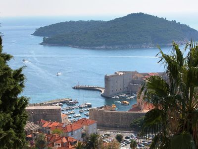 Photo for Two bedroom apartment with terrace and sea view Dubrovnik (A-4673-a)