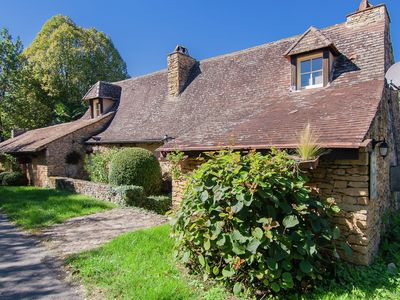 Photo for Beautiful villa with a privat swimming pool in the heart of the Dordogne.