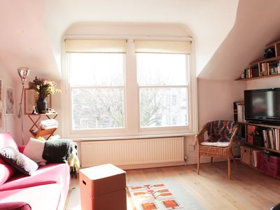 Photo for Very Cosy and spacious 1 Bedroom flat in Queens Park, 5 min walk to the tube.