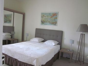 """Garden side"", apartment 2 to 4 people with garden _ free wifi"