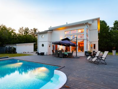 Photo for Exclusive villa with pool near city and nature