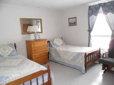 Photo for Quiet and clean first floor bedroom (2 Twin Beds)