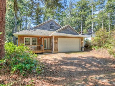 Photo for Bring the Kids and Relax in this Woodsy Manzanita Contemporary with Den!