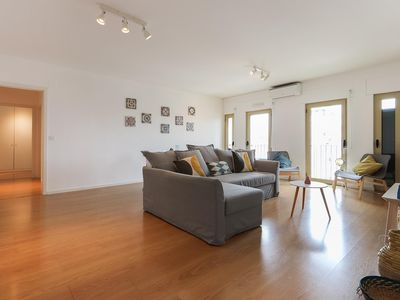 Photo for 2 room apartment in Entrecampos Lisboa with garage