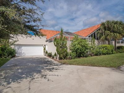 Photo for Naples Courtyard Townhouse Minutes to Beach