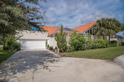 Courtyard Townhouse in a very desirable north Naples location