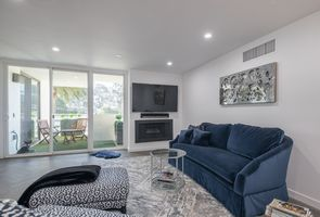 Photo for 2BR Condo Vacation Rental in Burlingame, California