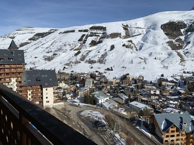 Photo for Fully equipped apartment with sunny balcony overlooking the slopes and glacier