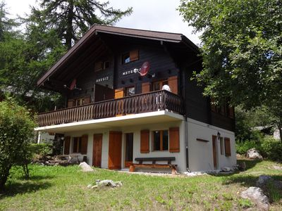 Photo for Spacious 6-person chalet with four bedrooms in varied ski area Bellwald Wallis