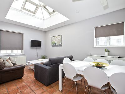 Photo for Central London (Sleeps up to 12) Only 15mins from HRW!