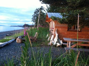 Between Beaches, Cannery Cabin Rental. Kayaks, beachfront on 2 beaches!