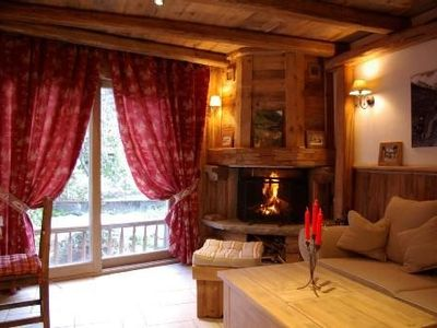 Small charming chalet in old wood mountain atmosphere and warm guaranteed