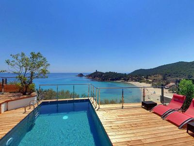 Photo for Magnificent villa, coline calme et paisible, superbe vue baie FAUTEA