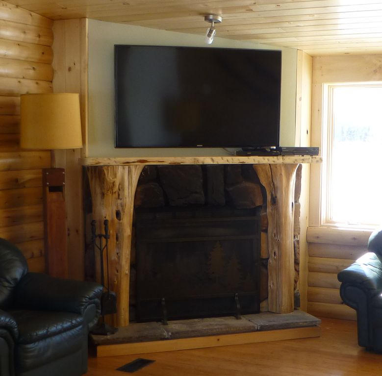 Stowe log cabin wood fireplace hot tub outdoor fire pit for Log cabin with hot tub one night stay