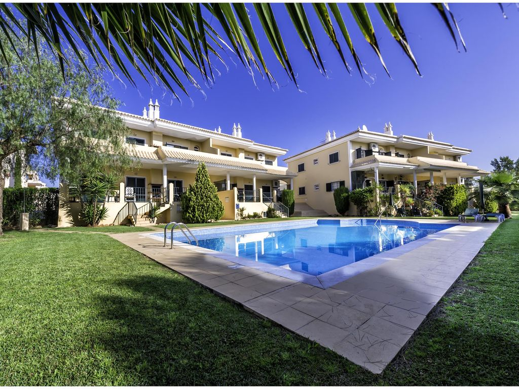 Luxury Apartments Pool. Modern Luxury Apartment Overlooking Swimming Pool and Golf Course  3729
