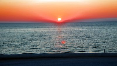 Photo for TOP FLOOR SUNSET VISTAS BEACHFRONT CONDO NEW KING IN MASTER GORGEOUS GULF VIEWS!
