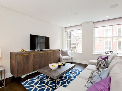 Photo for Luxury Holborn Flat with Concierge, AC and Lift