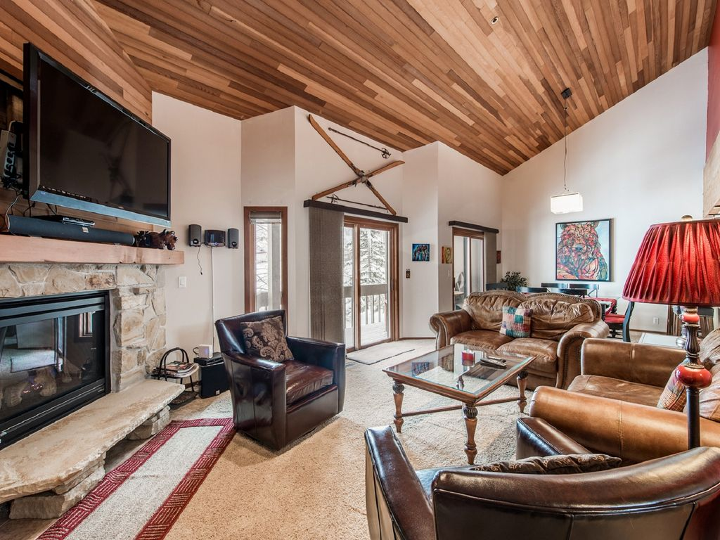 Cooper 39 s lakeside home in the heart of lowe homeaway for Cooper s cabin park city