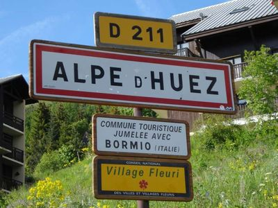 Photo for ALPE D'HUEZ - SKI AT THE FOOT OF SLOPES - MTB enETE