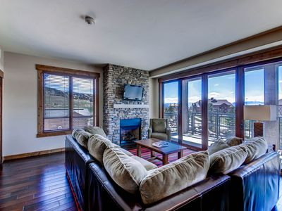 Photo for Luxurious corner condo w/ view & shared pool, hot tubs, game room & more!