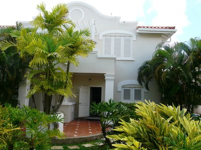 Photo for Modern villa; within walking distance to the beach.