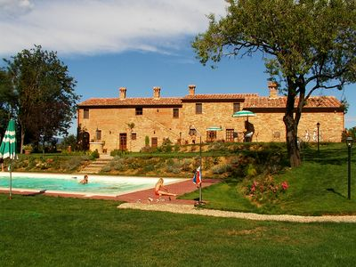 Photo for Romantic holiday in the Tuscan countryside in Montepulciano, relax & dolce vita
