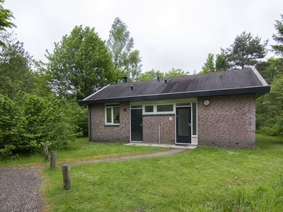 Photo for 6-person bungalow in the holiday park Landal Aelderholt - rural location