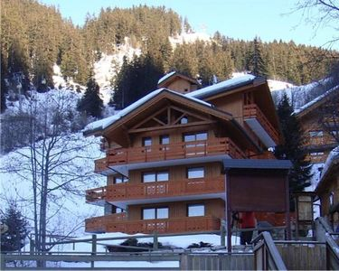 Photo for MÉRIBEL CENTRE: 2015 Charming apartment on the slopes.