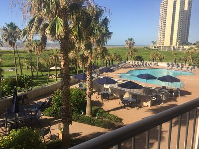 3/2 Luxury Beachfront Condo Resort at the Galvestonian - Completely Renovated