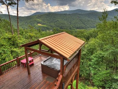 Photo for Immaculate, close range mountain views!