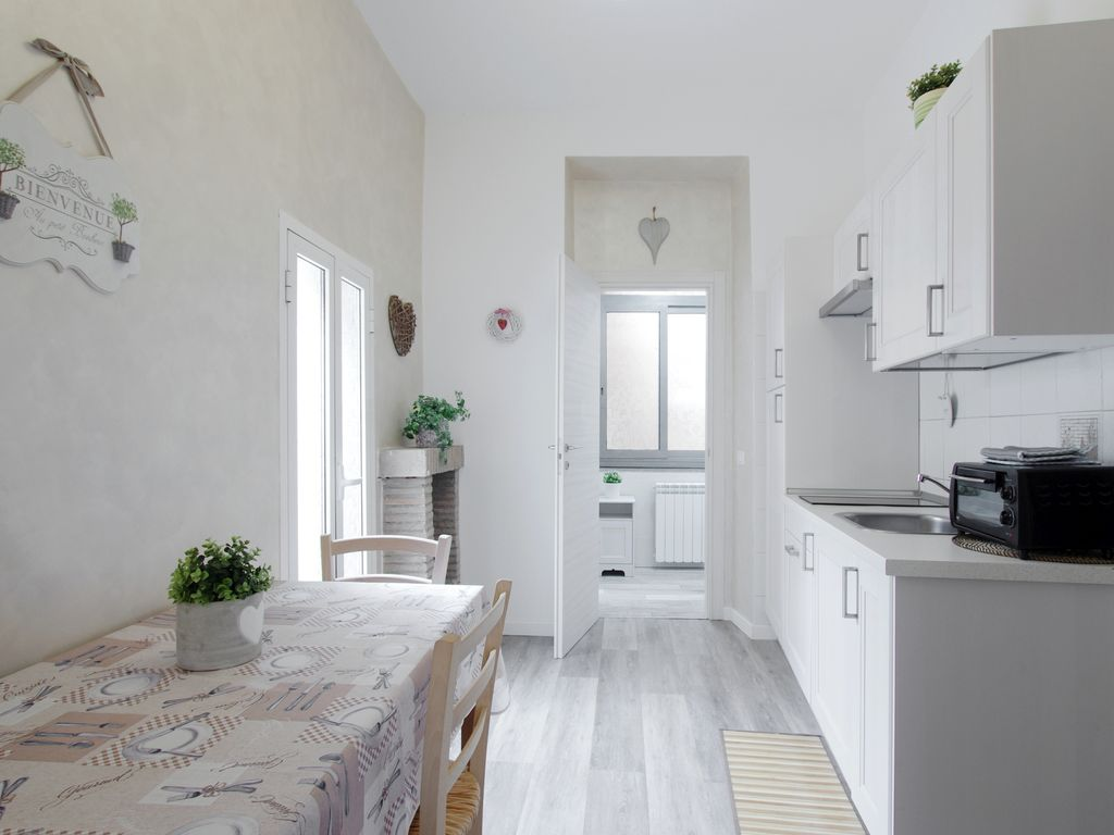 Rome apartment flat in the centre homeaway centro storico rome apartment flat in the centre of roma trastevere trastevere trilussa home multiple rentals available sciox Gallery