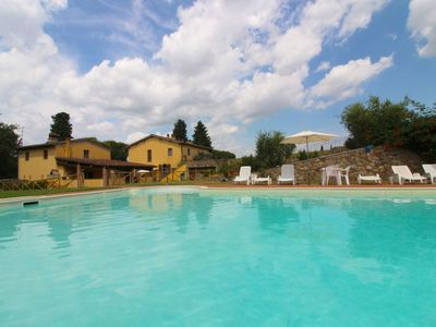 Photo for Old farmhouse for 16 people with large garden and swimming pool. In a hilly position between Arezzo