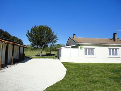 Photo for Holiday house Laruscade for 4 persons with 2 bedrooms - Holiday house