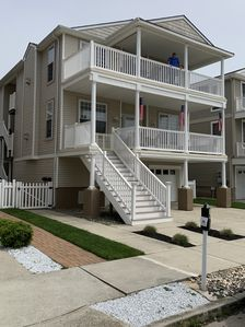 Photo for CONVENTION CENTER, BEACH & BOARDS WITHIN 2 BLOCKS!! BIG 4 BDRM 2 BATH BEAUTY!!